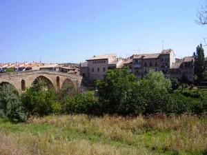 Puente la Reina met de historische brug