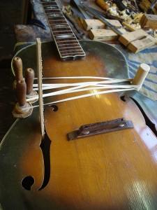 Stromberg gitaar reparatie