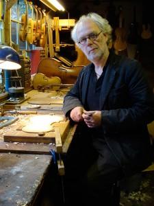 Hans de Louter in zijn atelier