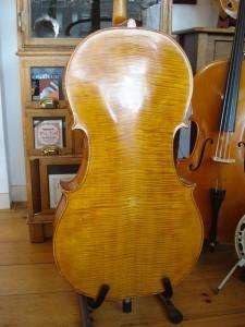 cello een opnieuw gelakte achterkant
