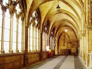 kloostergang in kathedraal van Burgos