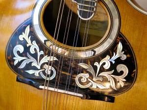 lyra-mandoline, de roset met de slagplaat