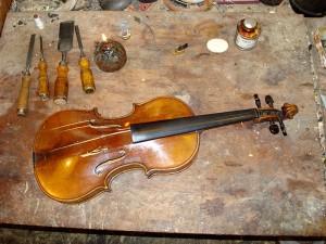 dezelfde viool met een ander aanzicht